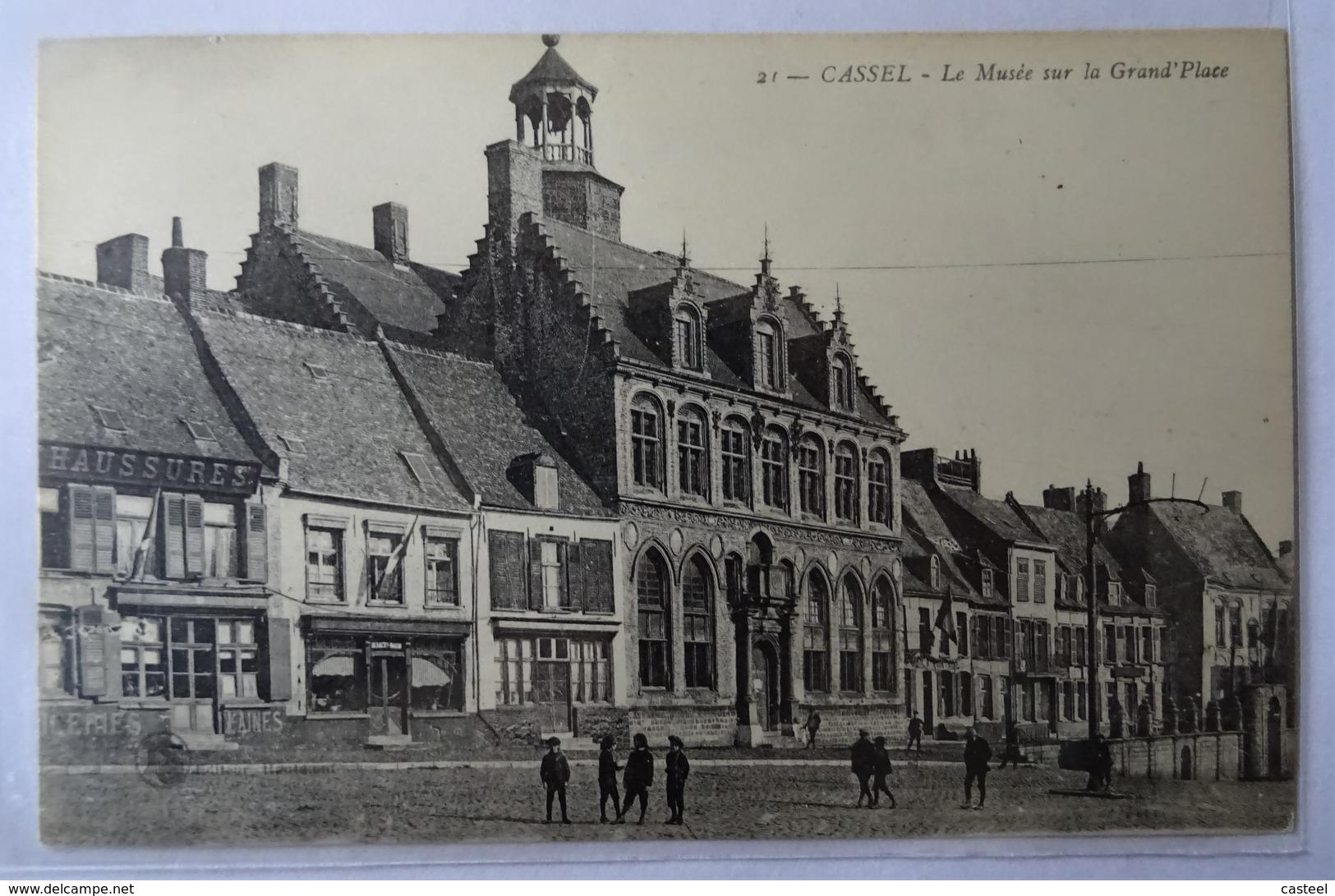 CASSEL - LE MUSEE SUR LA GRAND' PLACE - BIEN ANIMEE - Ls Haumont - Cassel