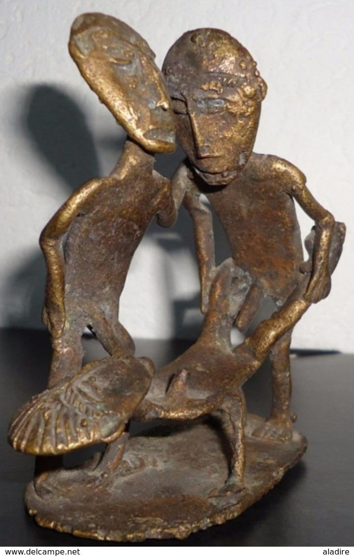Bronze, Cire Perdue - Afrique De L'Ouest, Trio érotique, Oeuvre Unique - Poids Emballé 400 G. - 9,5 Cm X 8 Cm - Art Africain