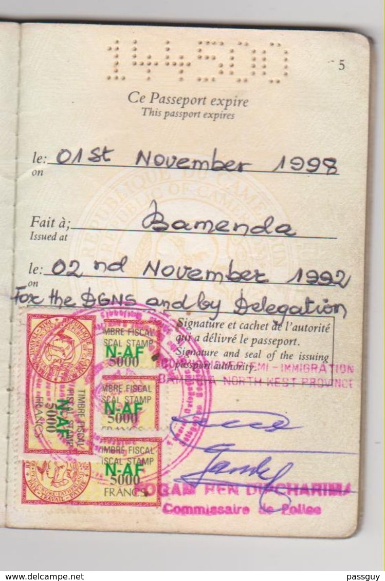 CAMEROUN  Passeport 1992 CAMEROON Passport – Reisepaß – Fiscaux/Revenues - Historical Documents
