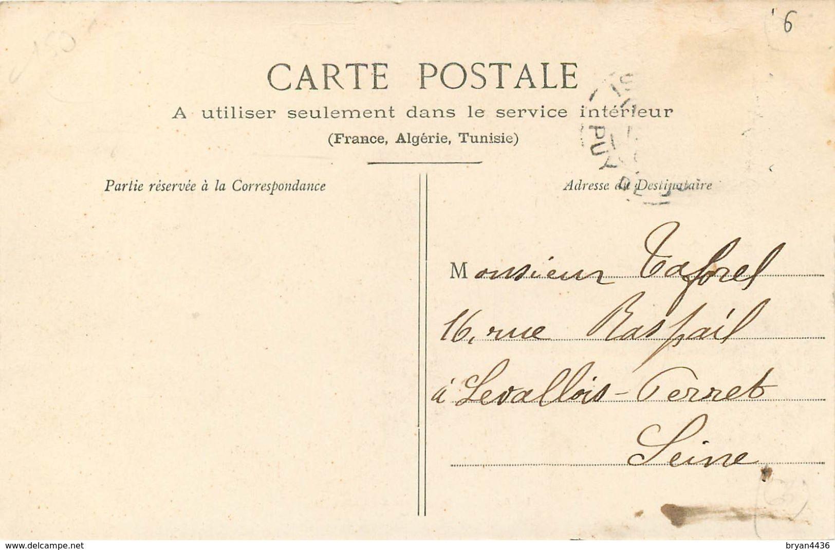63 - ISSOIRE - PUY DE DOME - PLACE DE LA CASERNE - ANIMEE - VOIR SCANS - Issoire