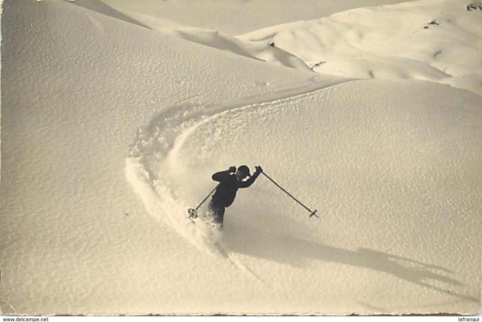 Themes Div - Ref W556- Sports D Hiver - Ski - Skieur - Telemark Im Skigelande  Bei Adelboden - - Wintersport