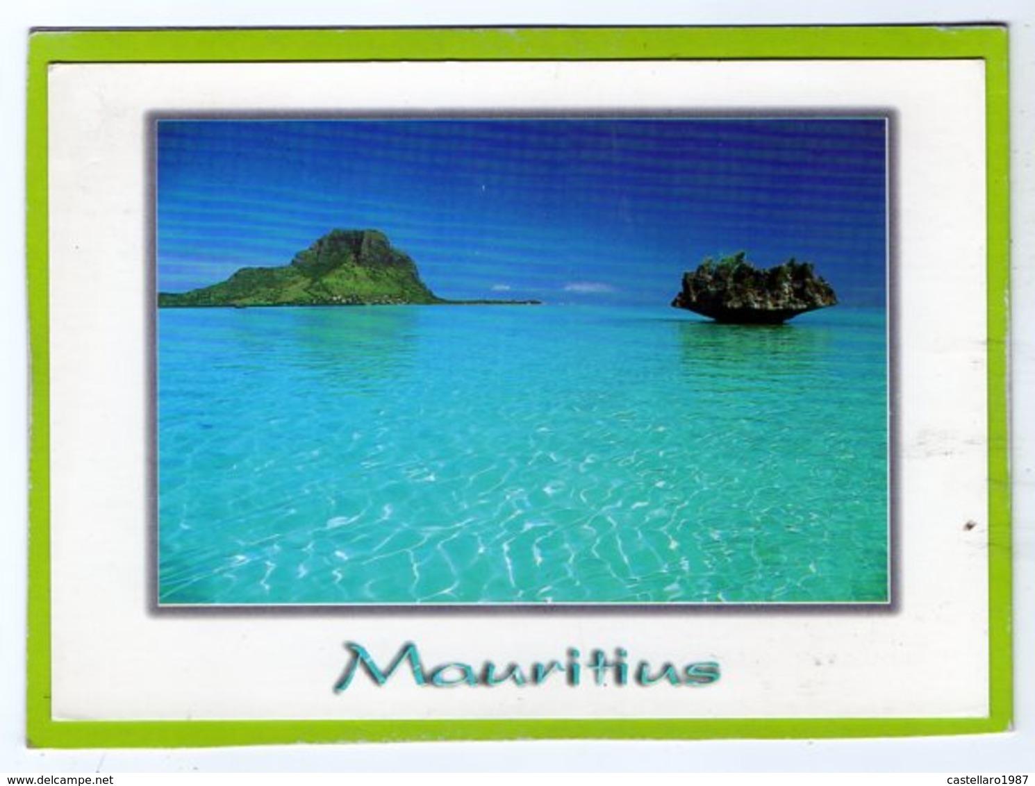 MAURITIUS - Ile Aux Bénitiers. Corail En Forme Di Champignon Dans Le Lagon Du Morne - Mauritius