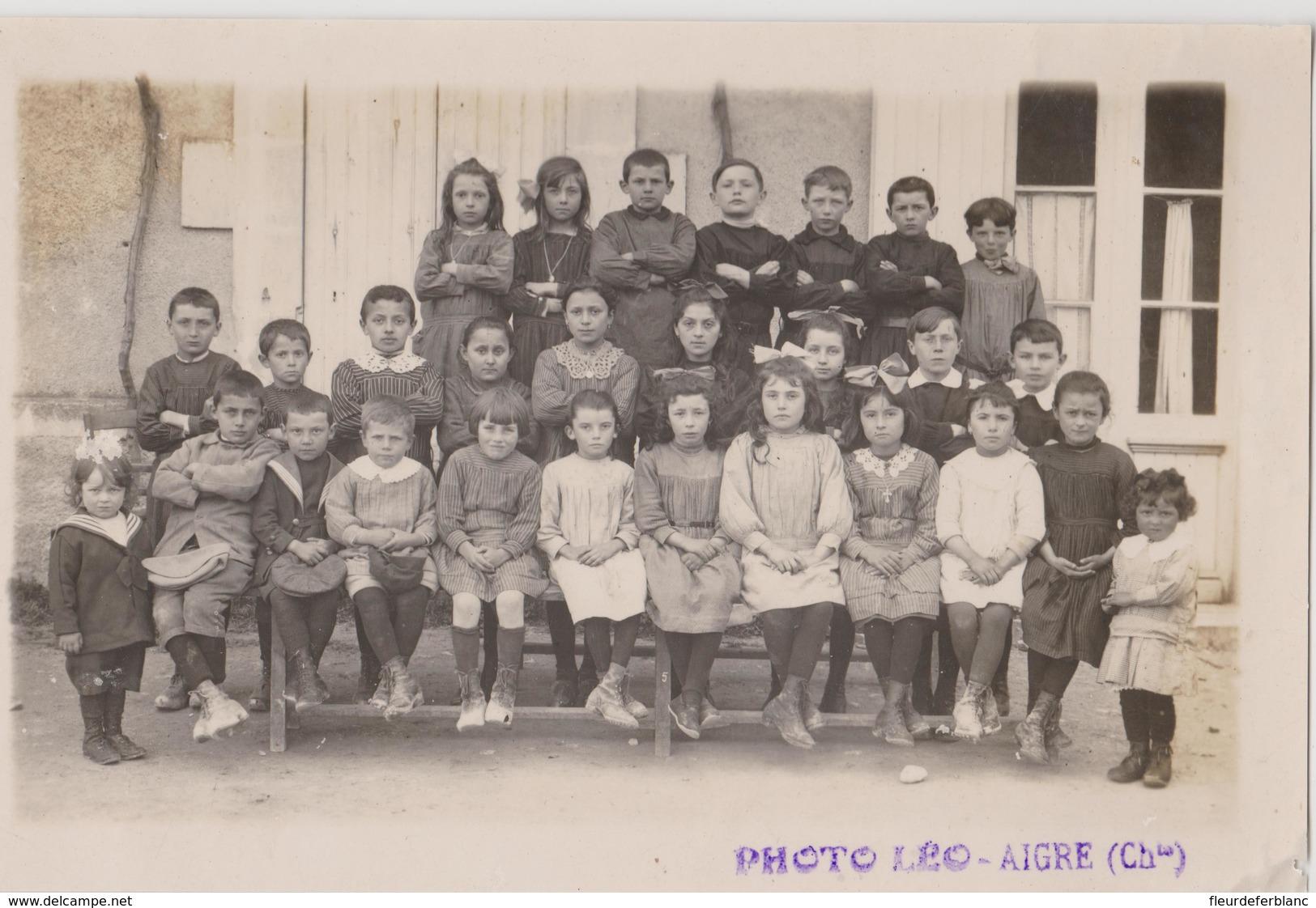 Photo Originale :classe De L'école Primaire Par LEO à AIGRE (Charente - 16) Années 30 ? Trouvée à HAIMPS - 17 - Anonymous Persons