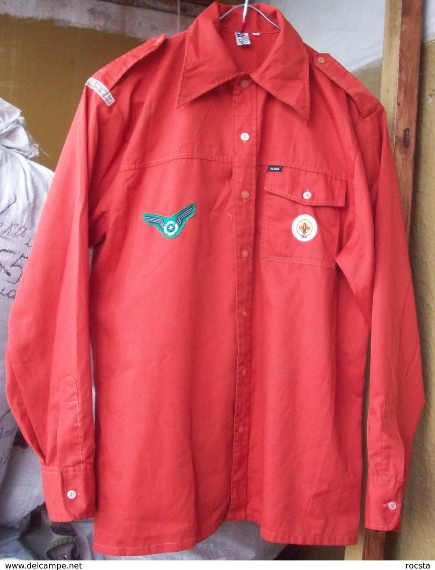 Vintage Dutch Scouts Red Shirt - 3 Patches - Padvinderij