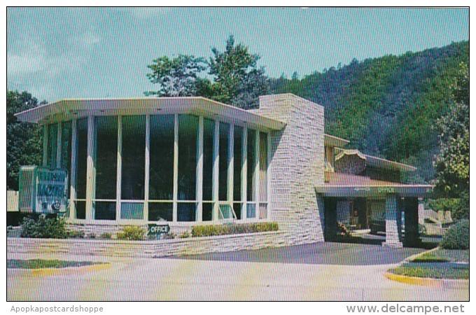 Tennessee Gatlinburg Bearskin Motel