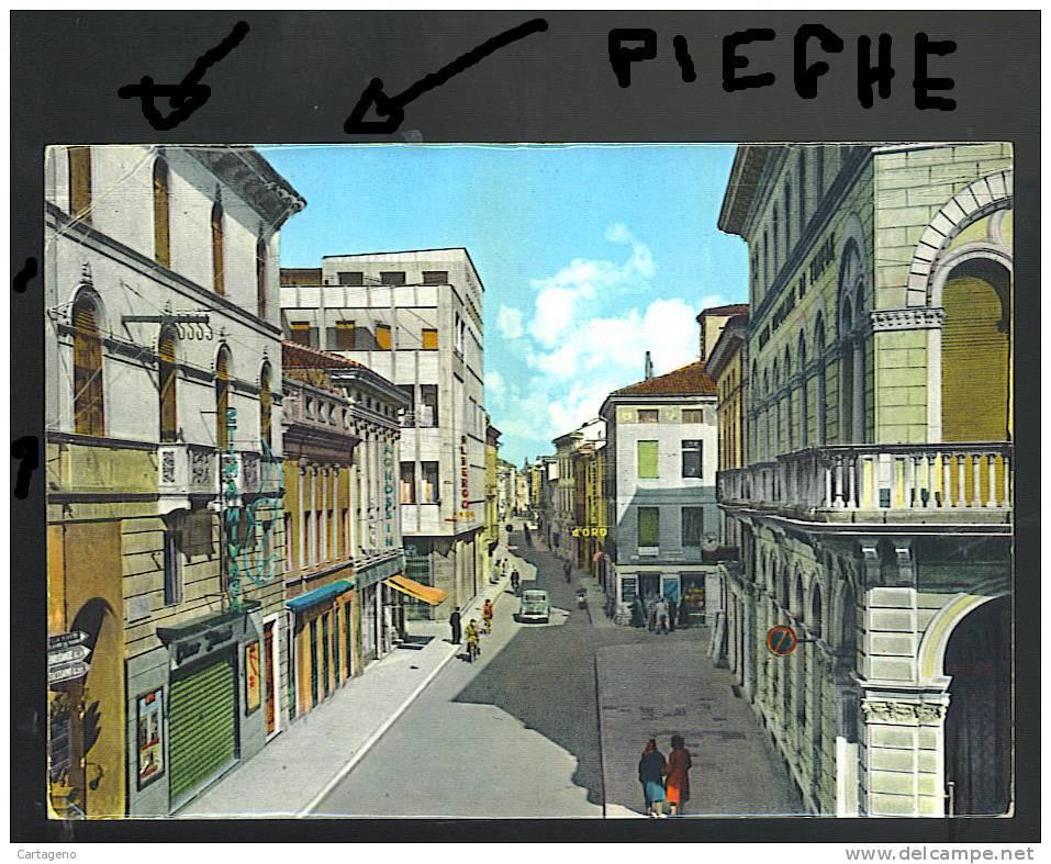 THIENE ( Vicenza) Via Trieste Cartolina    VIAGGIATA 1961 - Italia