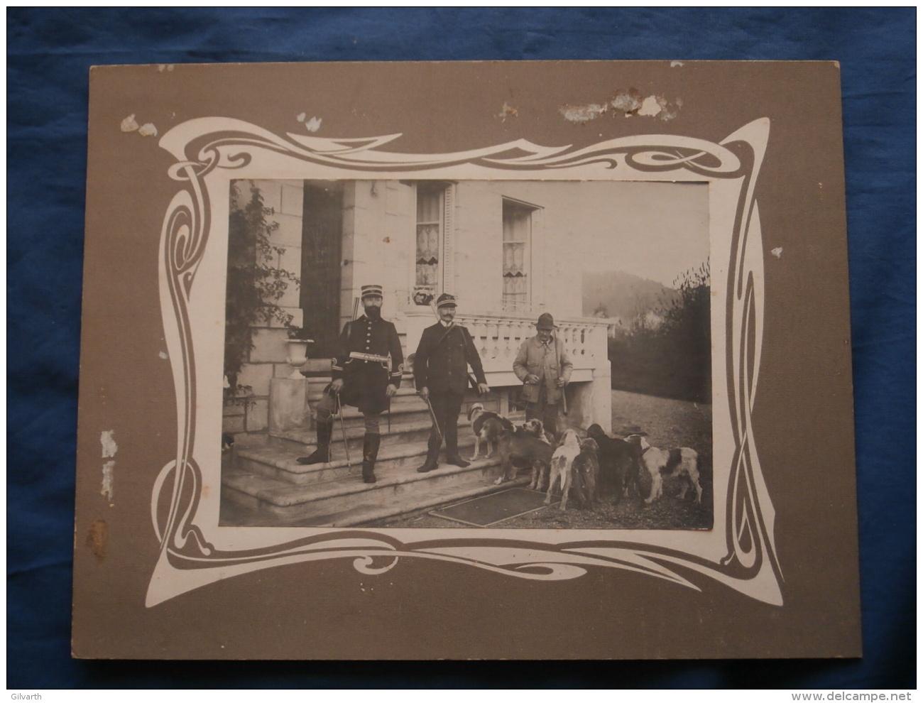 Grande Photo Sur Carton  - Scène De Chasse, Officier Forestier (?)  Et Rabatteurs, Meute Chiens L372A - Personnes Anonymes