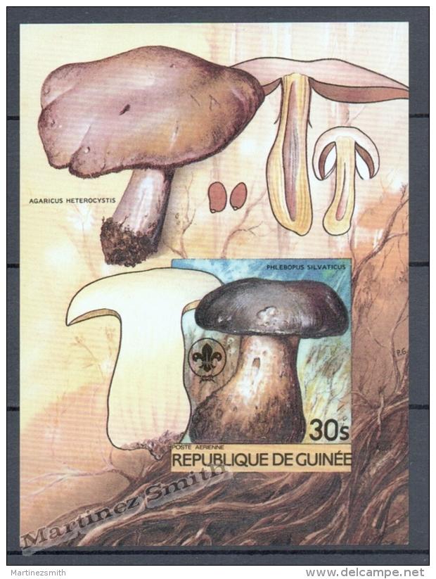 Guineé Republique - Guinea 1985 Michel BL 128B Non Perforated, Mushrooms - Miniature Sheet - MNH - Guinée (1958-...)