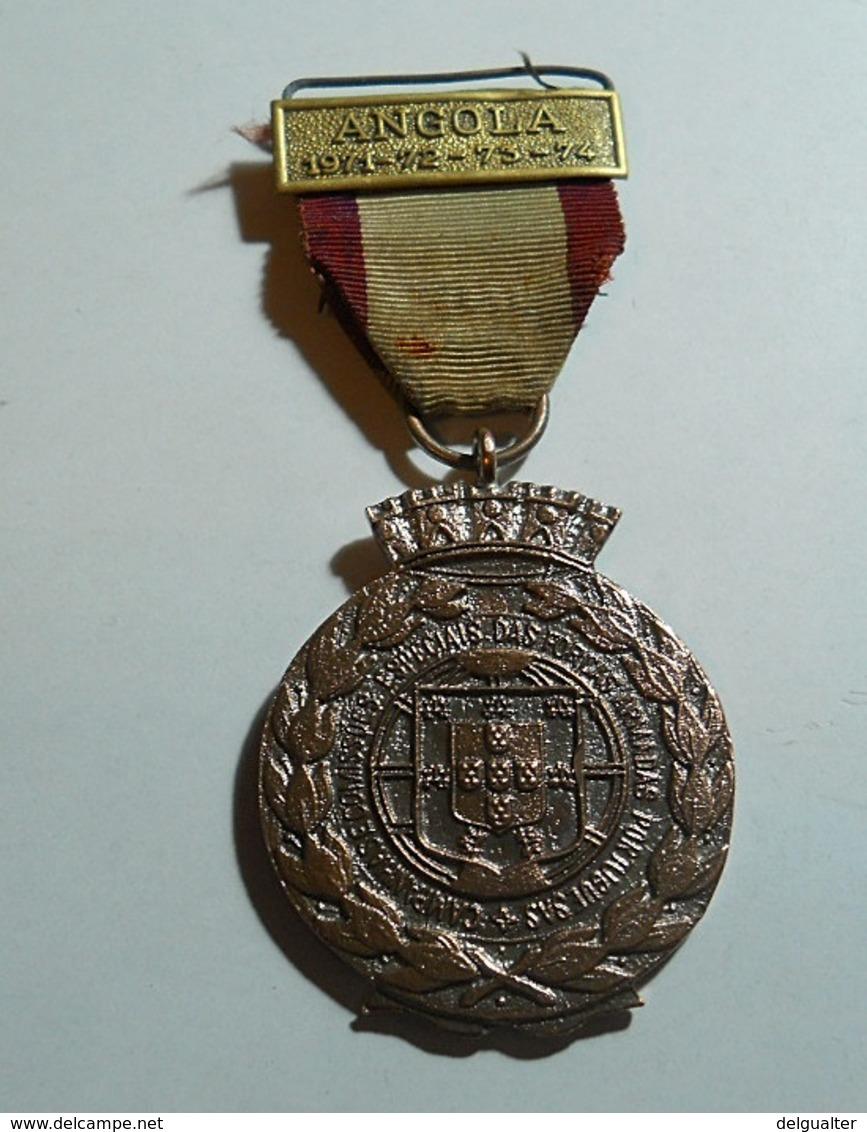 Medal * Militaria * Angola 1971-72-73-74 * Campanhas E Comissões Especiais Das Forças Armadas Portuguesas - Autres Pays