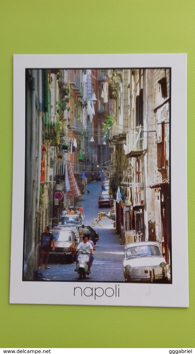 Cartolina NAPOLI - NA - Non Viaggiata - Postcard - Un Vicolo Dei Quartieri Spagnoli - Napoli