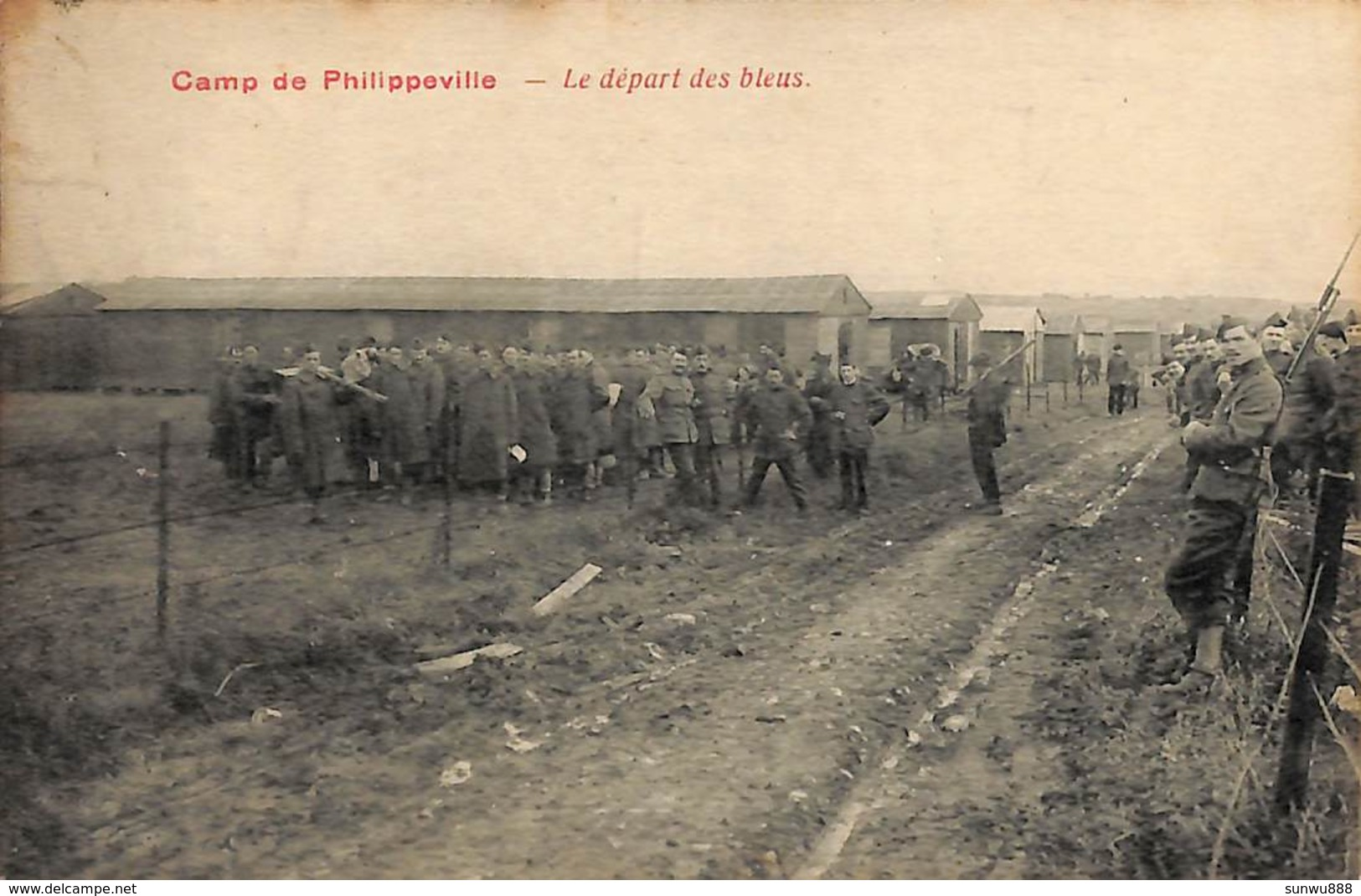 Camp De Philippeville - Le Départ Des Bleus (belle Animation, Edit. C. Simon-Marchal 1934) - Philippeville