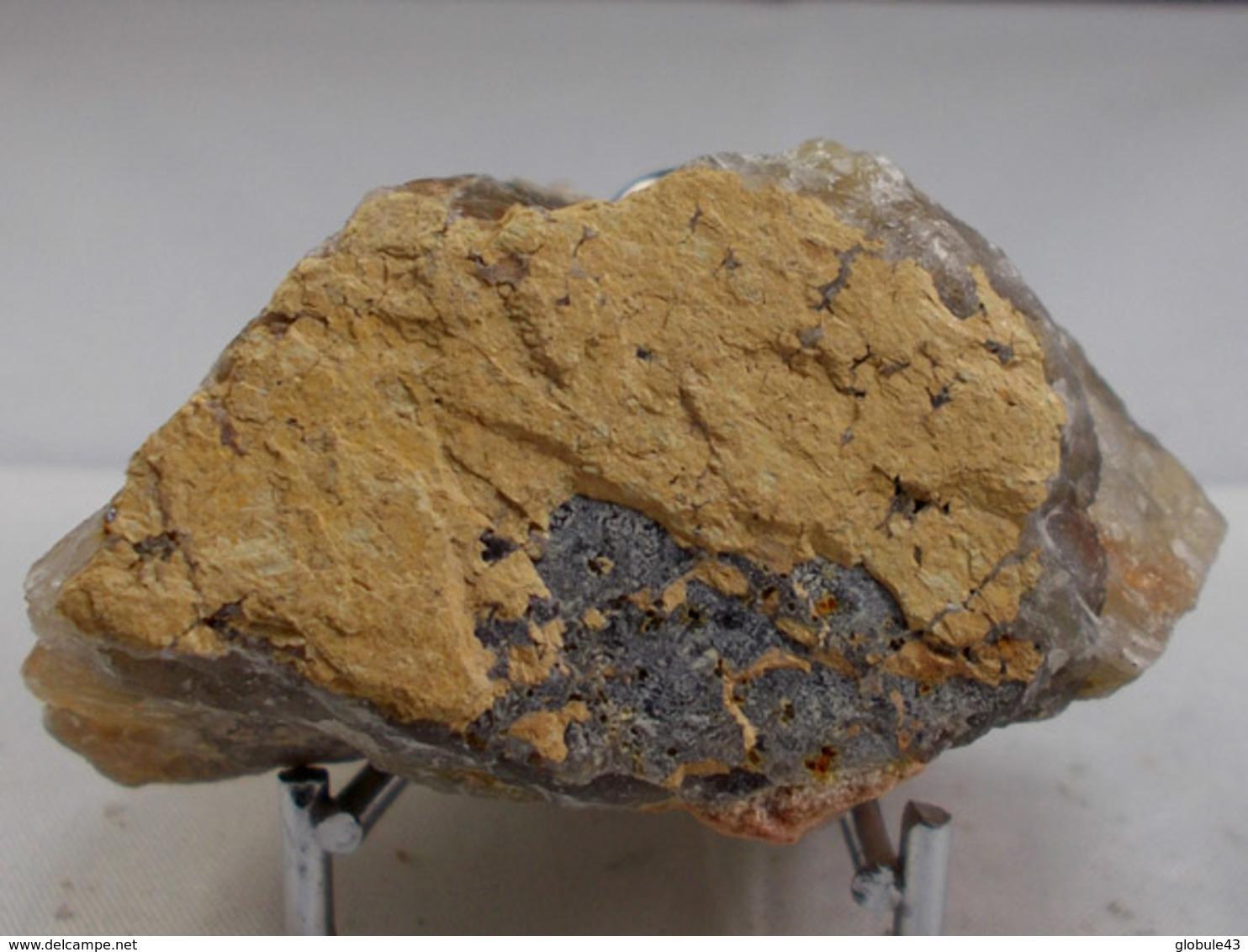 PSEUDO RUTILE PEGMATITE DE LA CHAUMETTE (rare) 5, X 2,5 X 4 Cm SAINT CHELY - Minerals
