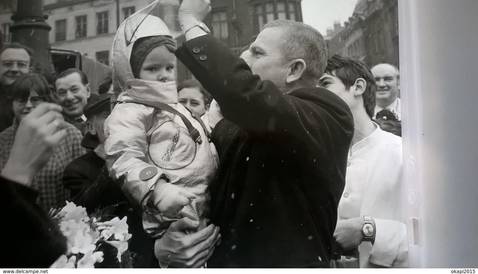 FRANK BORMAN ASTRONAUTE AMÉRICAIN AU MARCHÉ DE BRUXELLES EN 1969 + MÉLI -MELO DE 120 PHOTOS - Albums & Collections