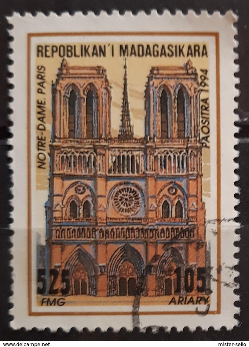 MADAGASCAR 1994 Cathedrals. USADO - USED. - Madagascar (1960-...)