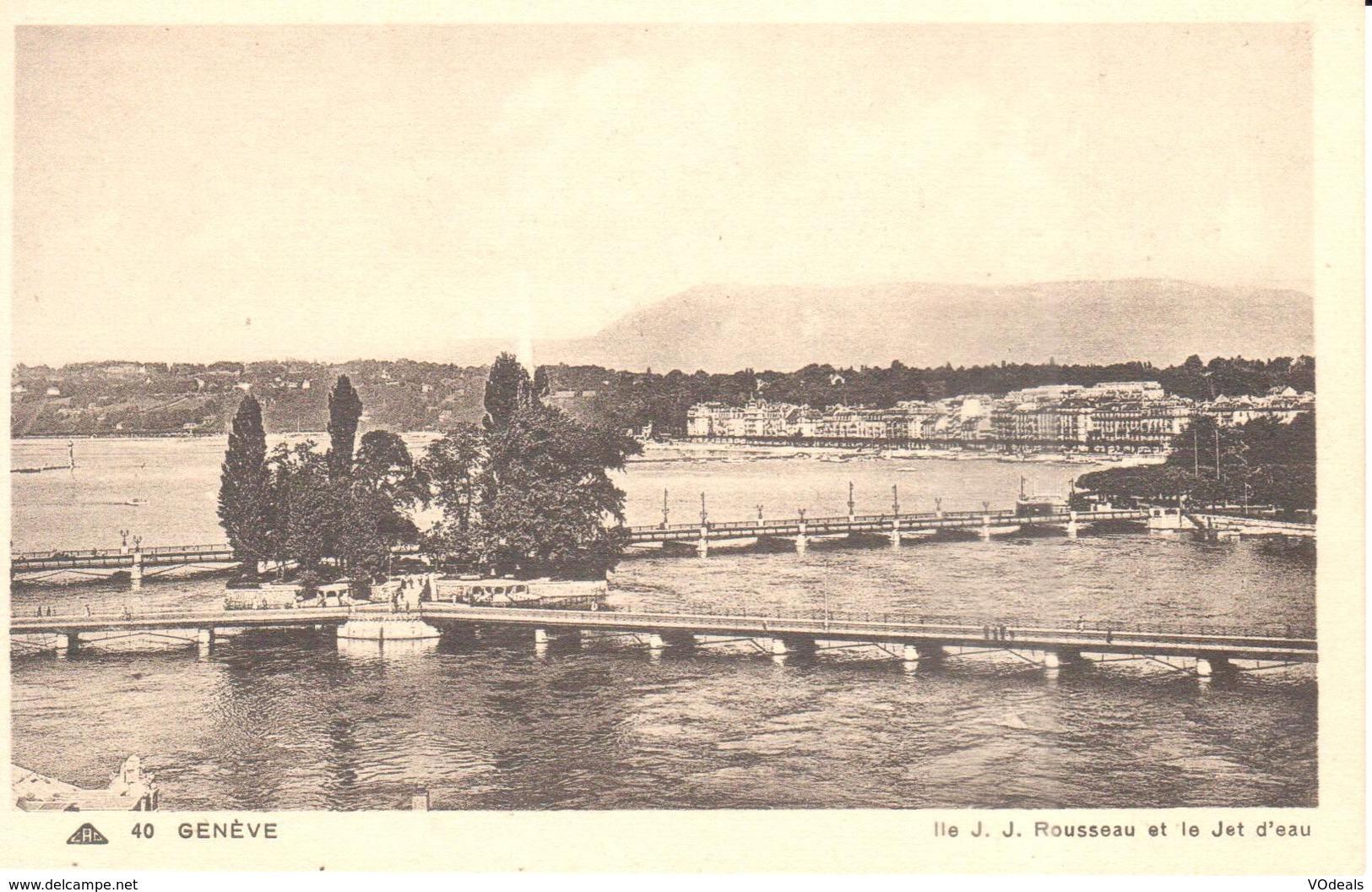 GE - Genève - CPA - Ile J. J. Rousseau Et Le Jet D'eau - GE Genève