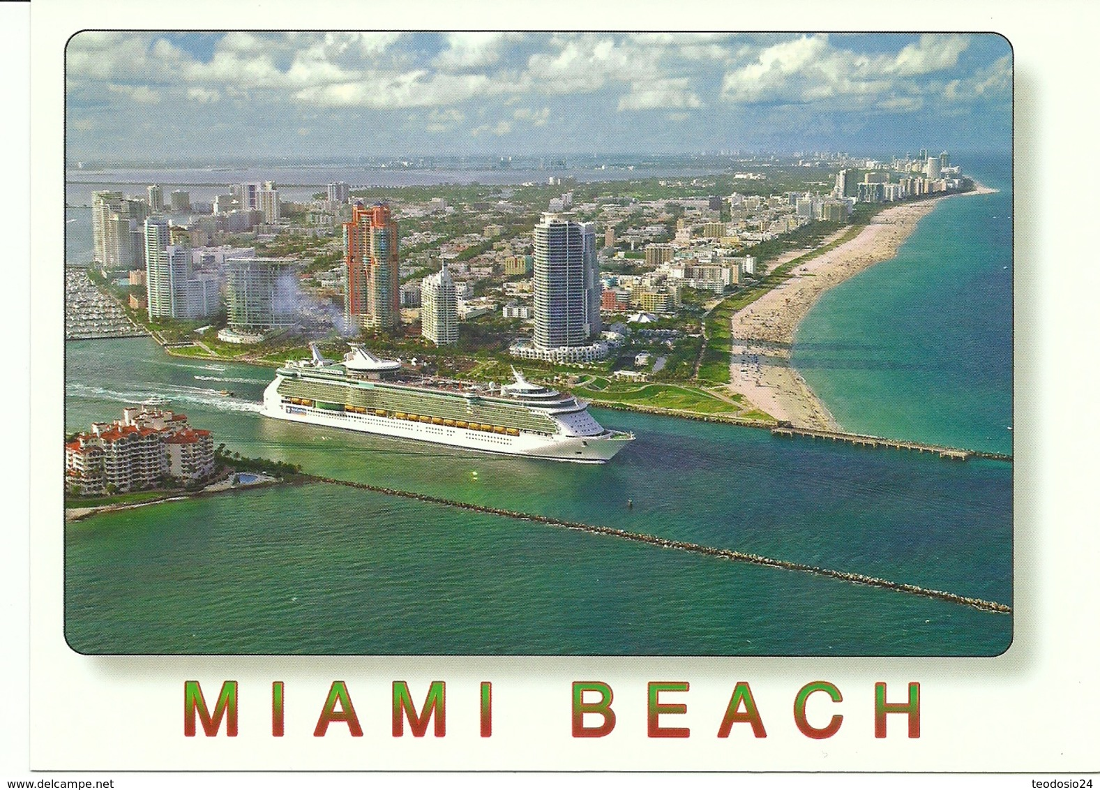 MIAMI BEACH  SOUTH POINT PARK AND SOUTH BEACH. SHIPS LEAVING FOR EXOTIC PORTS. - Hausboote