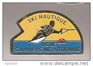37390-Pin's.ski Nautique.ligue Champagne Ardenne.. - Ski Nautique