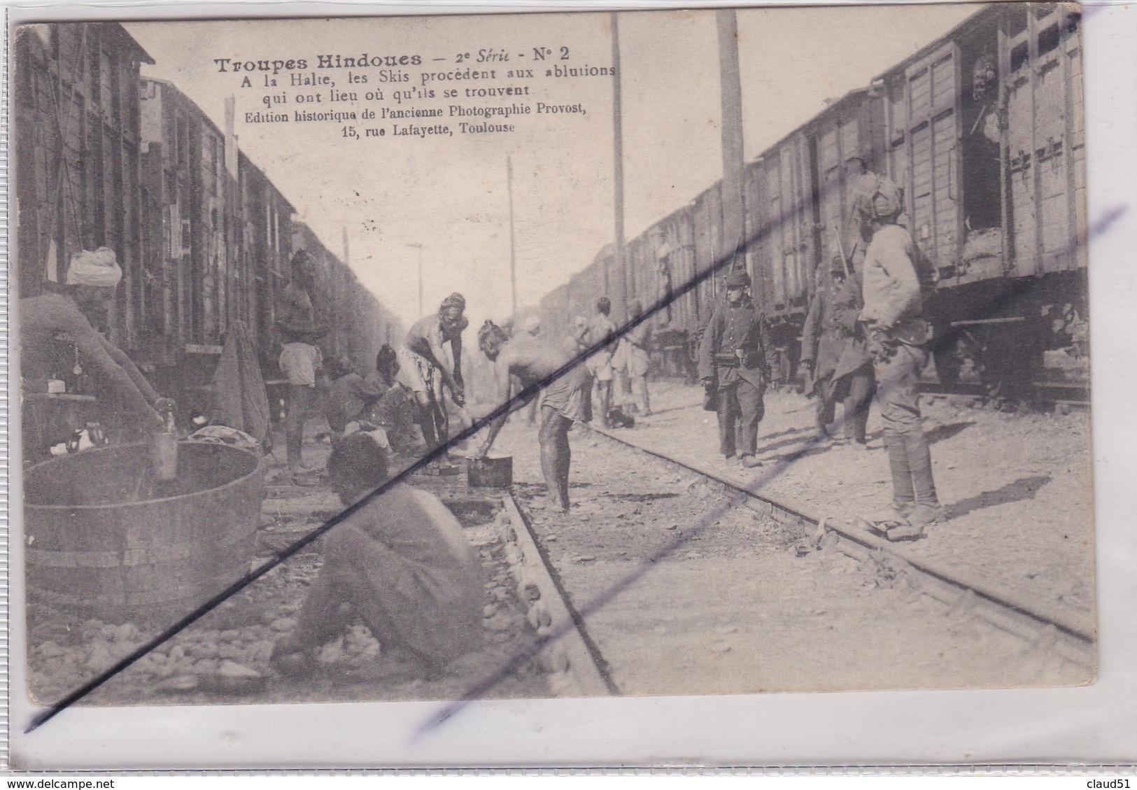 Troupes Hindoues - A La Halte ,les Skis Procédent Aux Ablutions Qui On Lieu Ou Qu'ils Se Trouvent - Guerre 1914-18