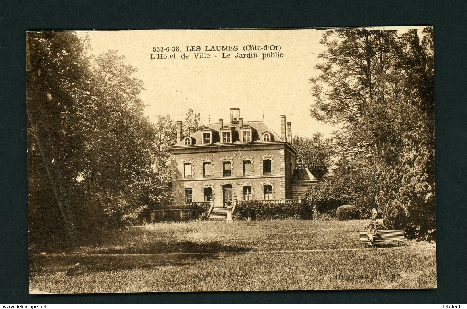 CPSM: 21 - LES LAUMES - L'HOTEL DE VILLE - LE JARDIN PUBLIC - - France