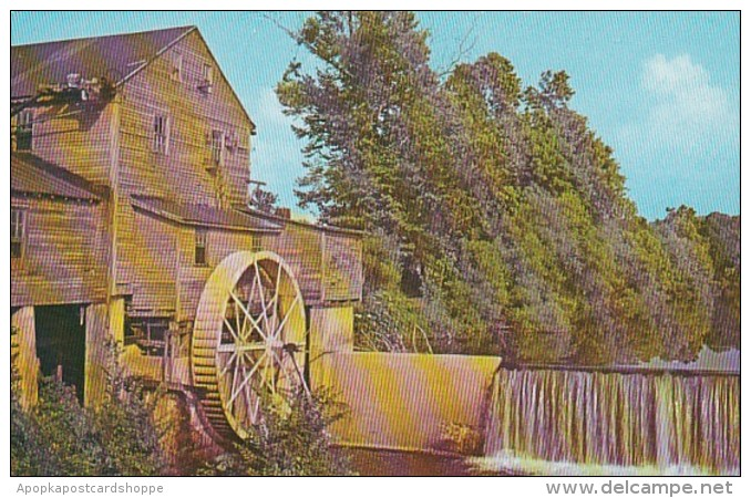 Tennessee Pigeon Forge Water Mill On Little Pigeon River