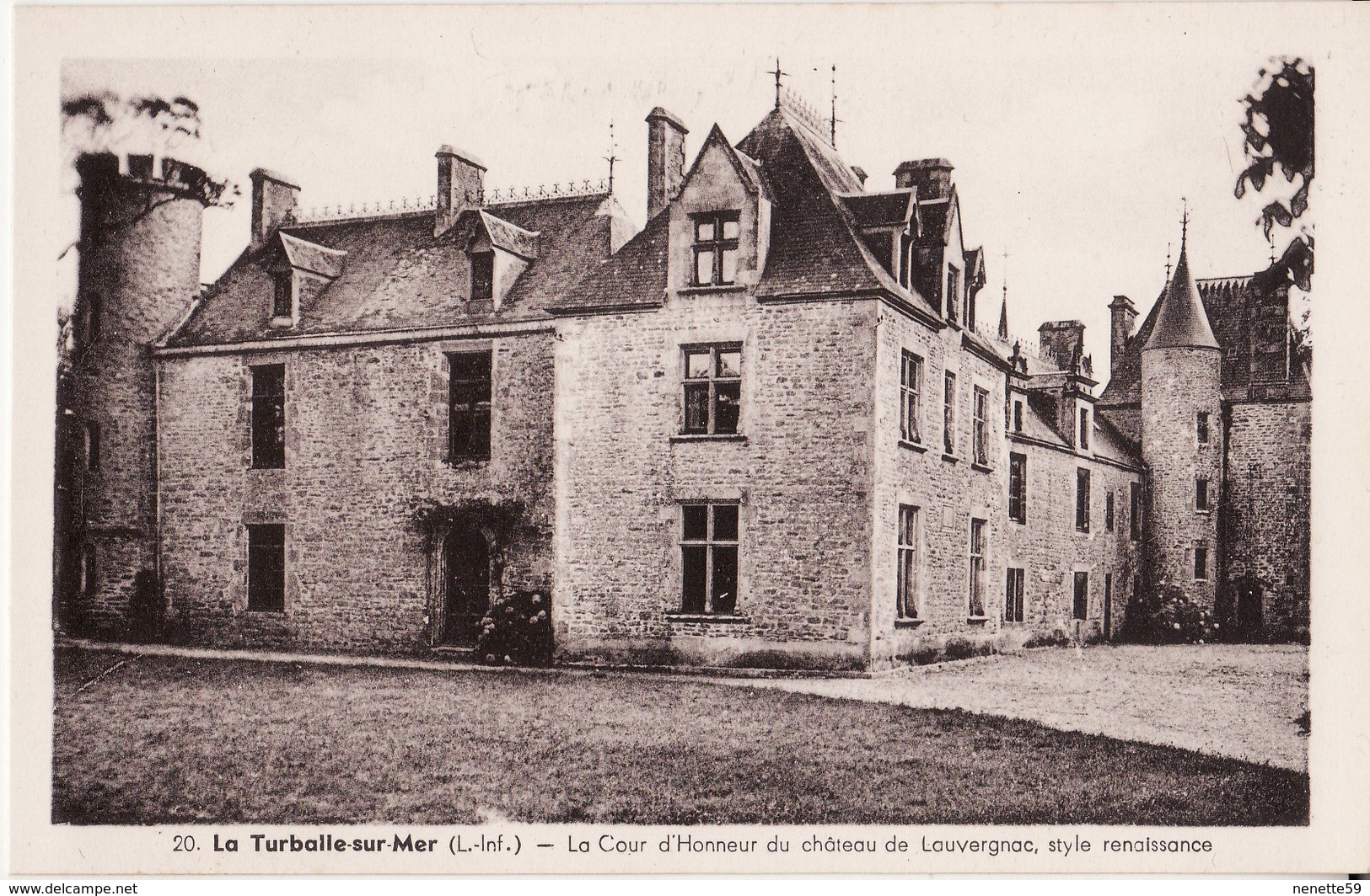 44 LA TURBALLE SUR MER -- La Cour D' Honneur De Château De LAUVERGNAC N° 20 - La Turballe