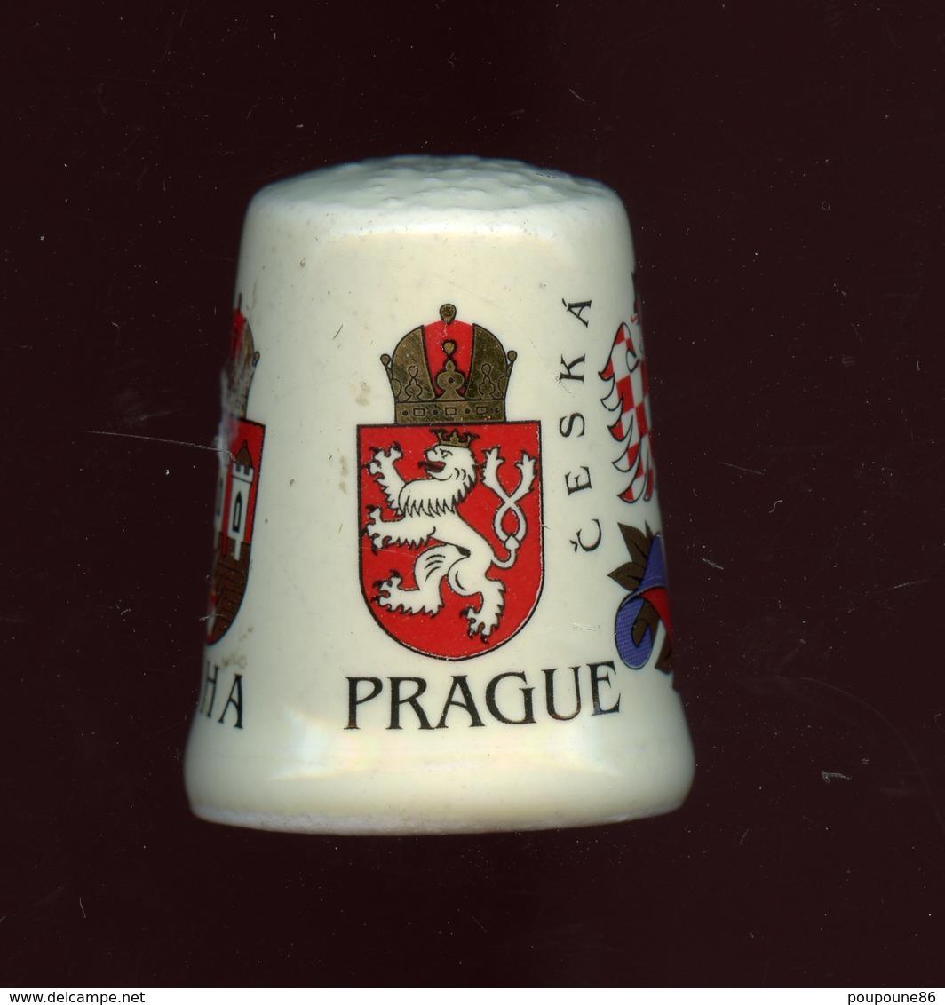 DÉ A COUDRE PORCELAINE - PRAGUE - REPUBLIQUE TCHEQUE - Dedales