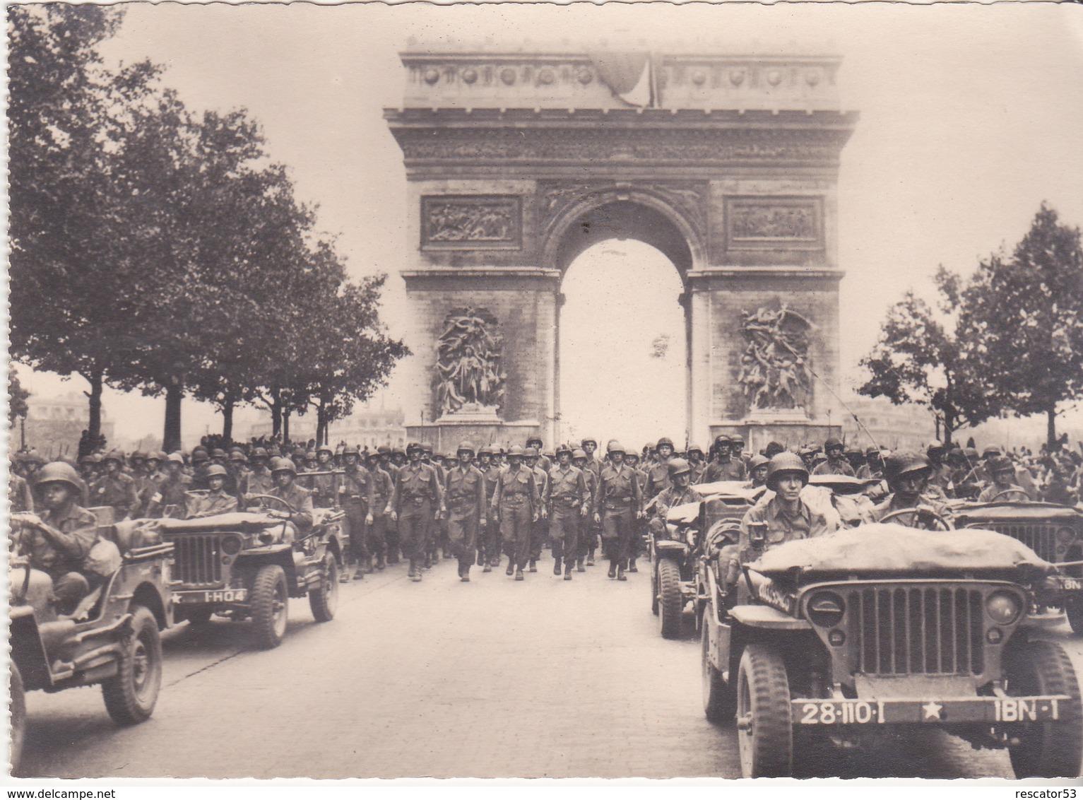 Rare Cpa  Américains Défilent Sur Les Champs élysée Avec Jeep - 1939-45