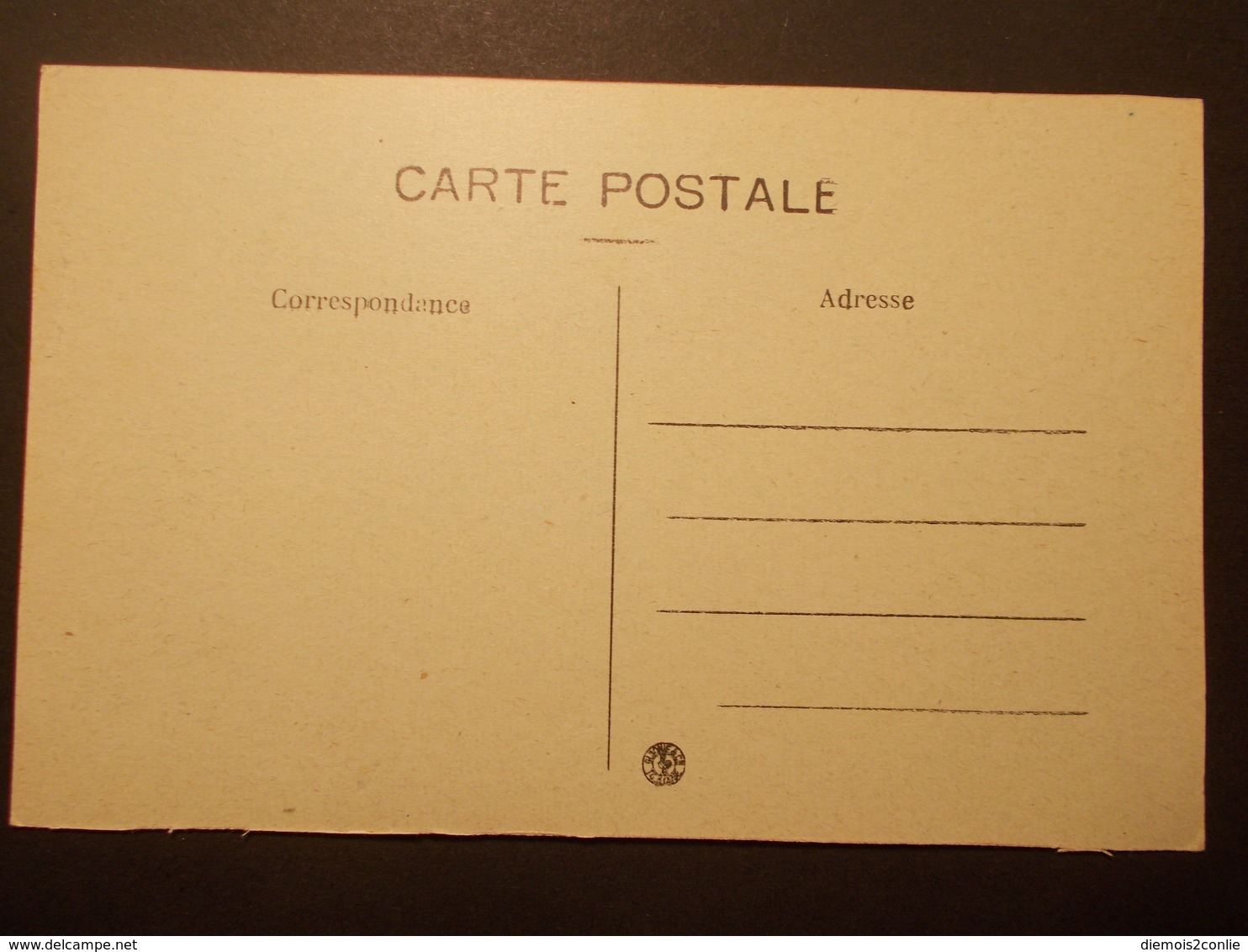 Carte Postale - SORGUES (84) - Cours De La République - Animation (2258) - Sorgues
