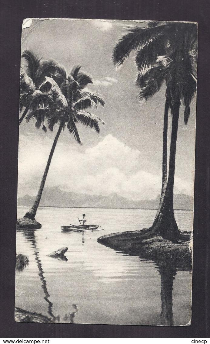 CPSM TONGA - L'Ile Des Amis - TB PLAN Cocotiers + Barque Animation + TB TIMBRE Verso - Publicité PLASMARINE 1955 - Tonga