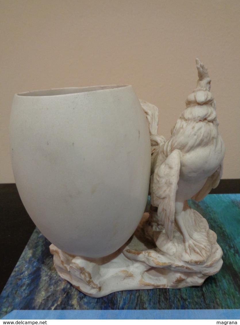 Antiguo Palillero En Forma De Huevo Con 1 Gallo. Porcelana Biscuit. Francia. - Cerámica Y Alfarerías