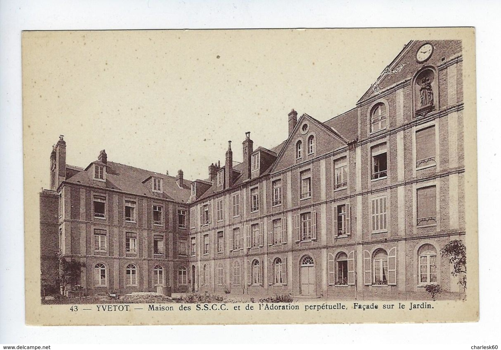 CPA Yvetot Maison Des S.S.C.C. Et De L'Adoration Perpétuelle Façade Sur Le Jardin SSCC - Yvetot