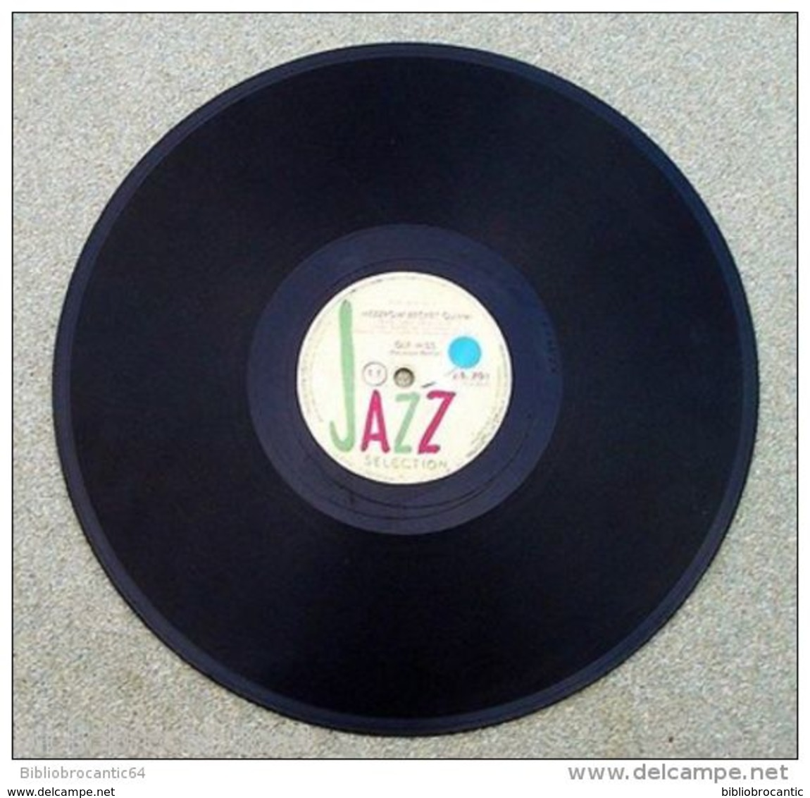 "78 Tours""MEZZROW-BECHET QUINTET* < OLE MISS/ OUT OF THE GALLION < JAZZ SELECTION J.S.701 - 78 Rpm - Schellackplatten"