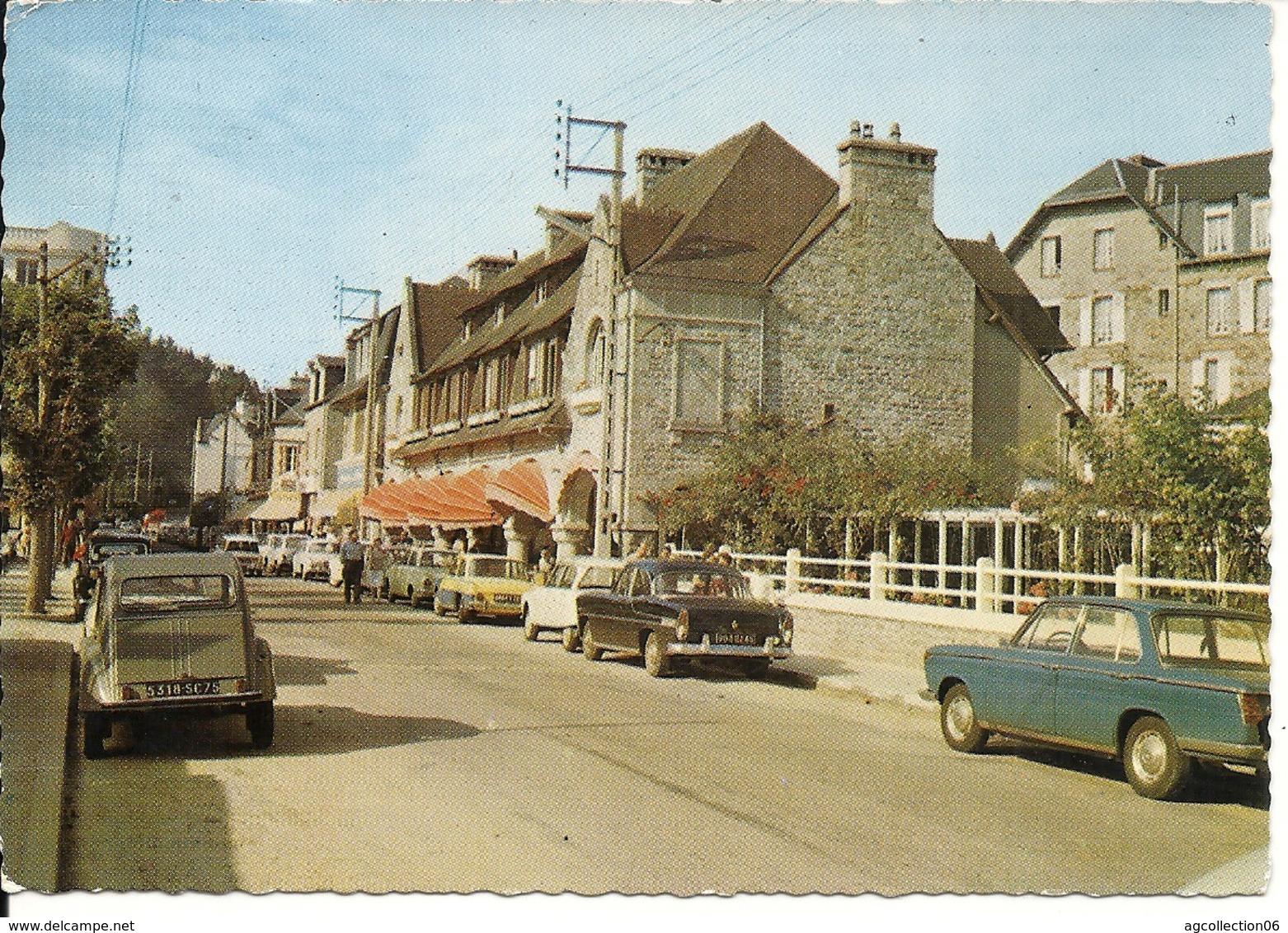 LE CENTRE VILLE. 2 CV. SIMCA... - Saint-Cast-le-Guildo