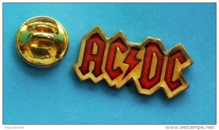 1 PIN'S //   ** ACDC / GROUPE DE HARD ROCK FORMÉ EN 1973 ** - Celebrities