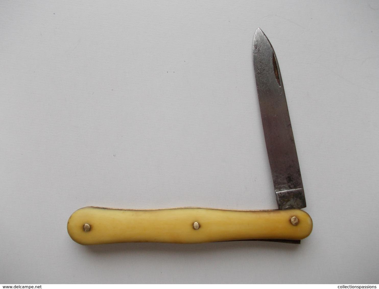 - Couteau. Canif - Ancien Petit Couteau - Manche En Os - - Knives