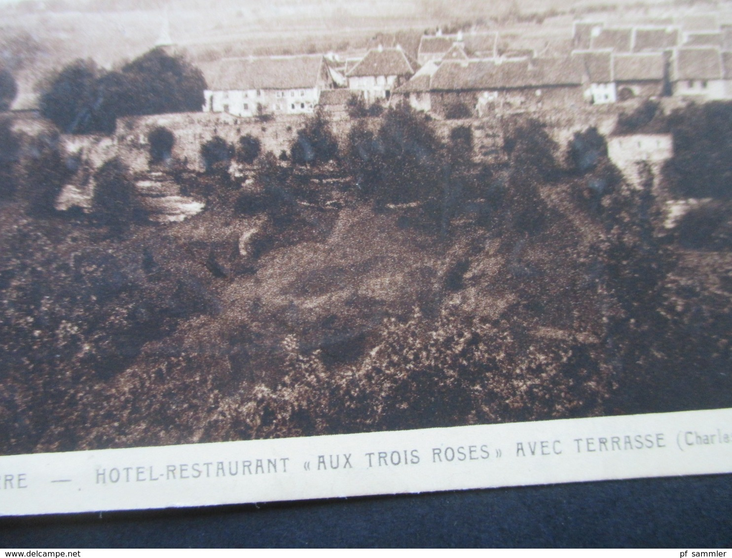 AK 1930er Jahre La Petite Pierre Hotel Restaurant Aux Trois Roses Avec Terrasse (Charles Geyer) - Hotels & Gaststätten