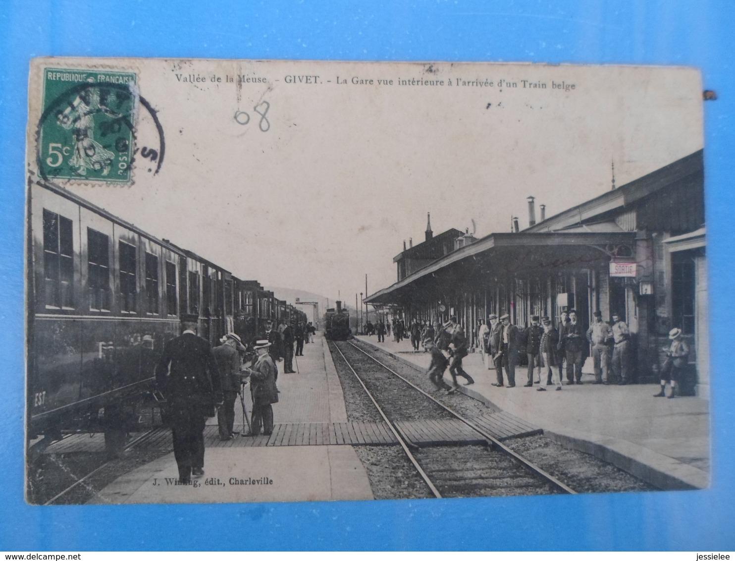CPA ARRIVEE DU TRAIN VALLEE DE LA MEUSE GIVET - Gares - Avec Trains