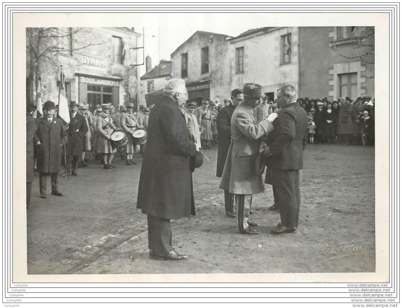 Photo D'une Remise De Medaille A Haute Goulaine (44) En 1932 - Guerra, Militari