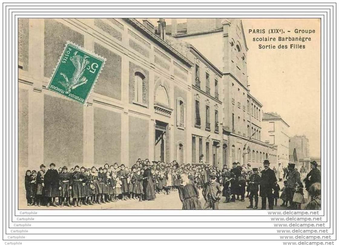 75019 - PARIS - Groupe Scolaire Rue Barbanegre - Sortie Des Filles (tres Animee) - Arrondissement: 19