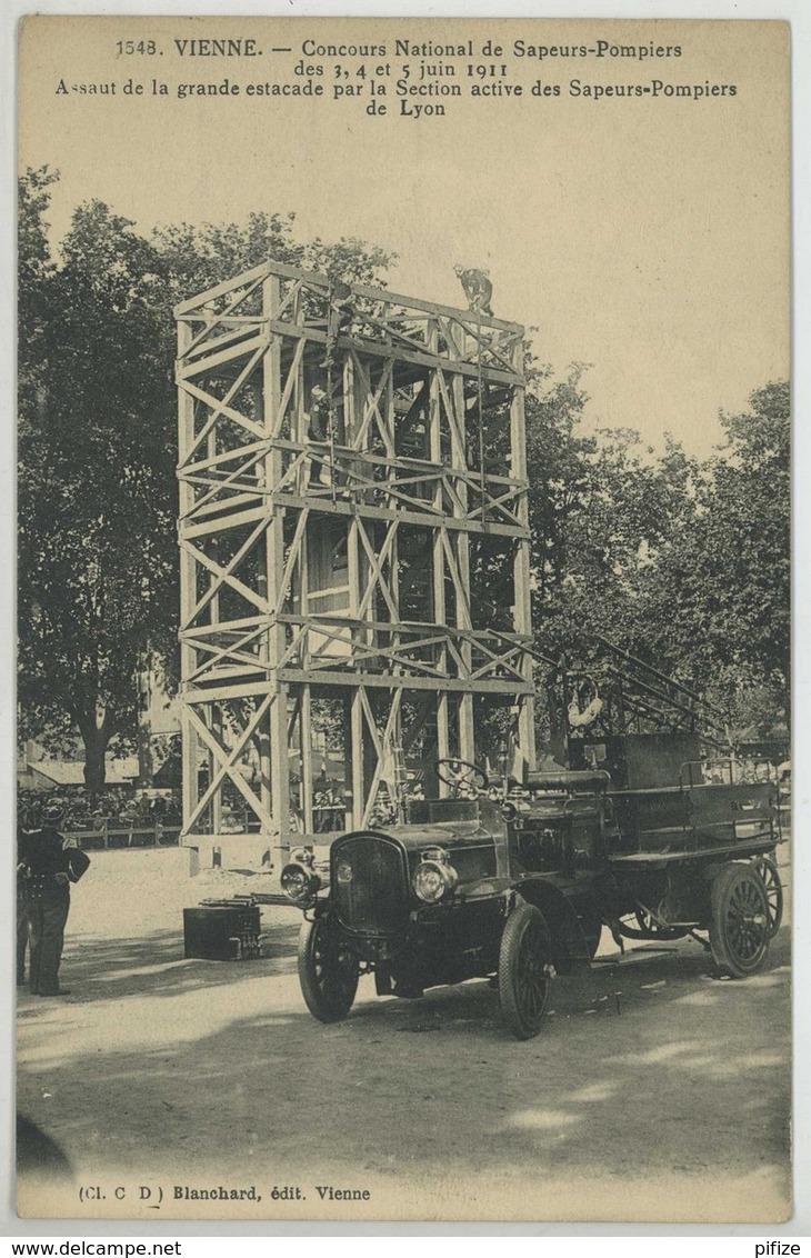 (Vienne) Concours National De Sapeurs-Pompiers Des 3, 4 Et 5 Juin 1911 . Assaut De La Grande Estacade . Camion . - Vienne