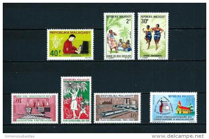 Madagascar  Nº Yvert  434-443/4-448/50-451  En Nuevo - Madagascar (1960-...)
