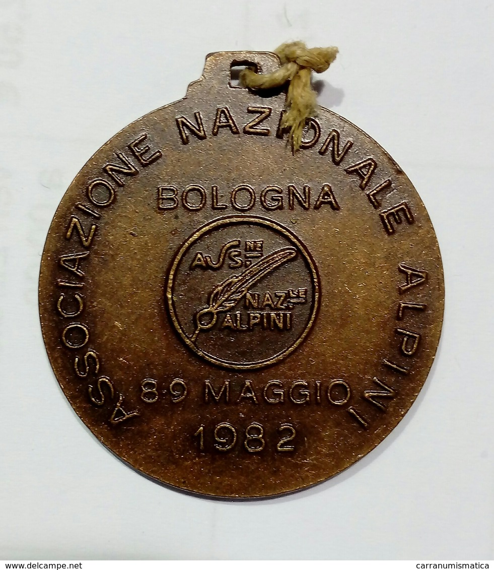MEDAGLIA - ADUNATA NAZIONALE ALPINI - 55^  - BOLOGNA ( 1982 ) - Italia