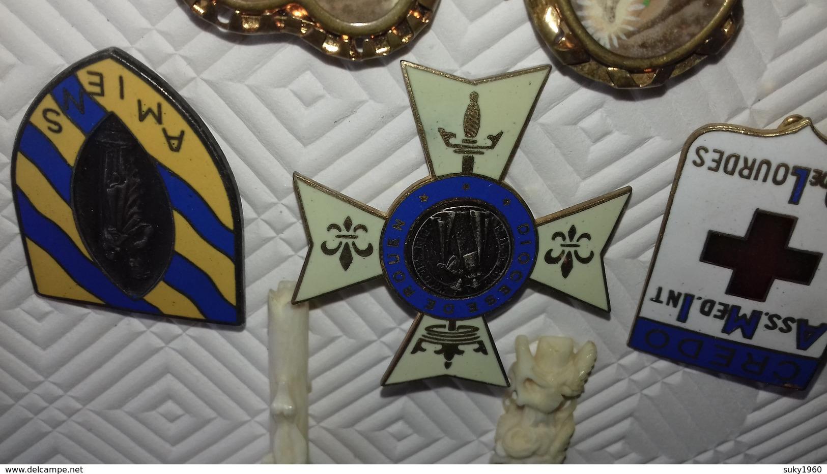 PETIT LOT INSIGNES RELIGIEUX - Religione & Esoterismo