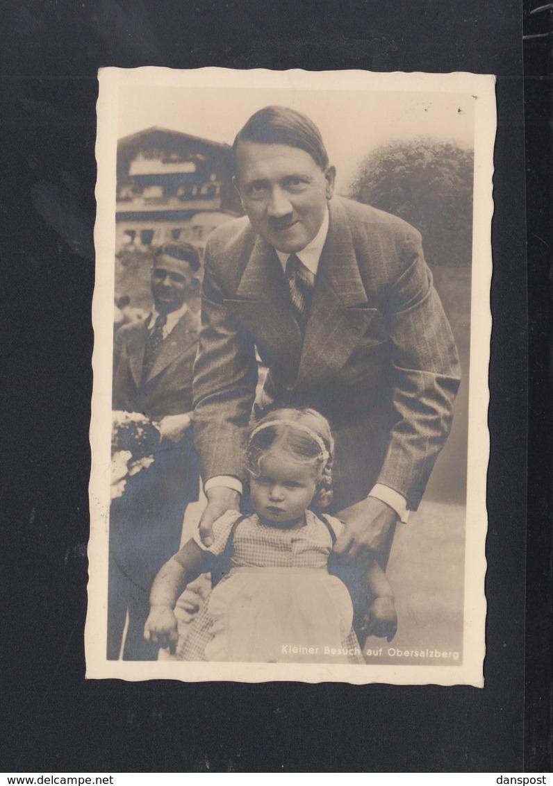 Dt. Reich AK Hitler Und Kleiner Besuch Auf Obersalzberg - Personaggi Storici