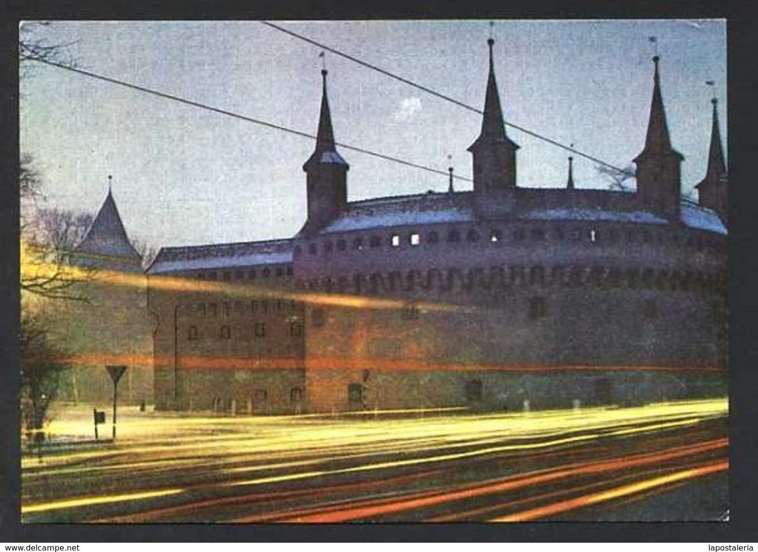 Polonia. Kraków *The Barbakan At Night* Edit. Ruch. Nueva. - Polonia