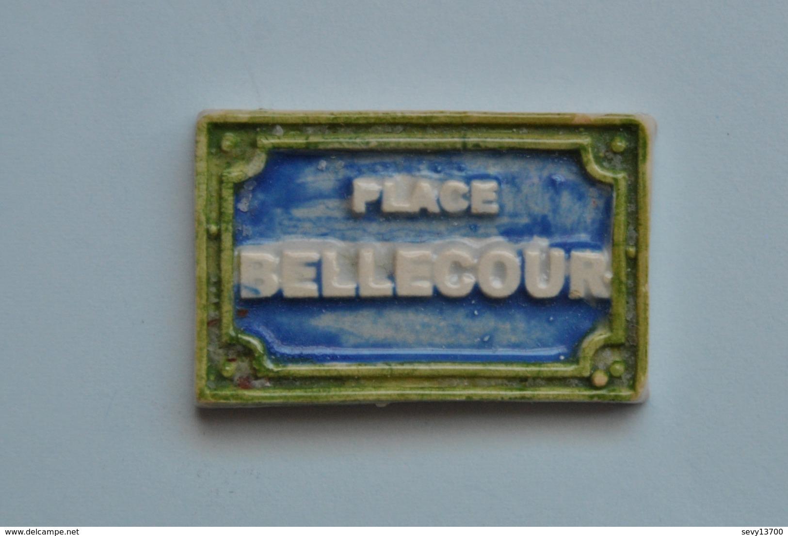 Fève  - Plaque De Nom De Rue - Place Bellecour - Santons/Fèves