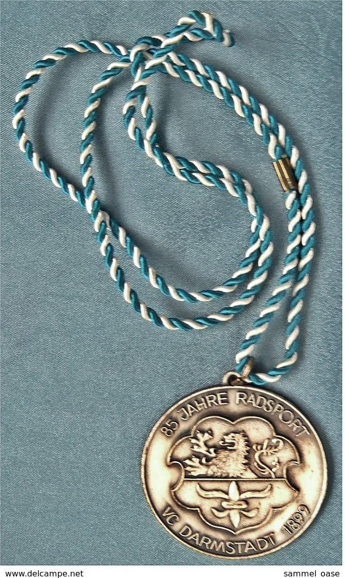 Medaille / Plakette Von 1984  -  85 Jahre Radsport VC Darmstadt 1899  -  Ca. 50 Mm Durchmesser - Non Classés