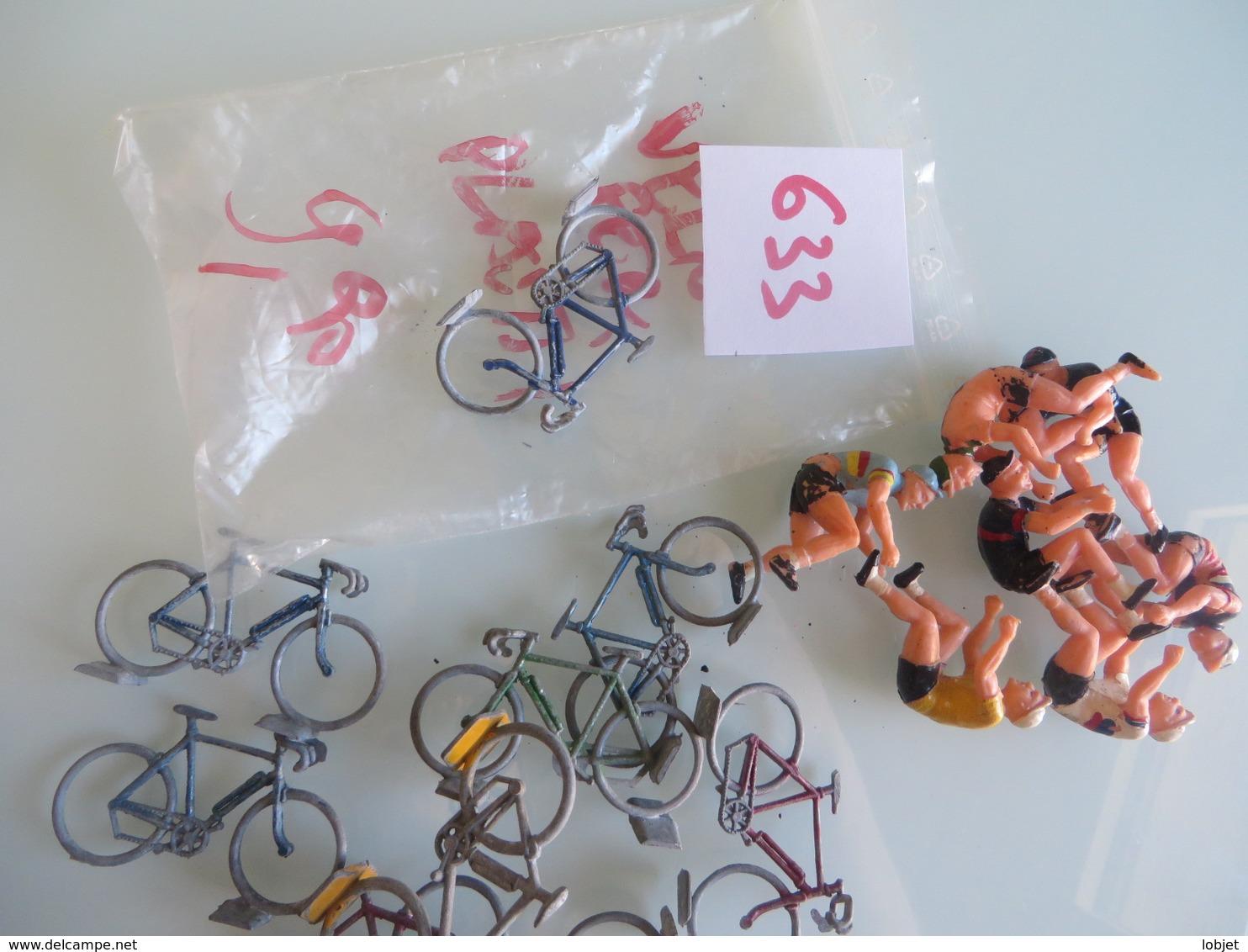 Velo En Fer ,et Cycliste Plastic - Toy Memorabilia