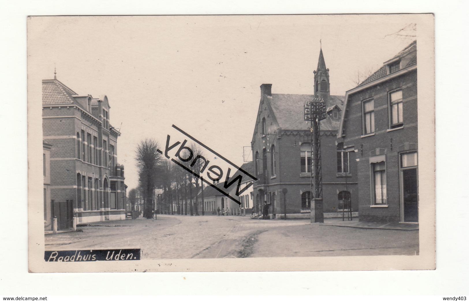 Uden - Dorp Met Raadhuis - Originele Foto - Uden