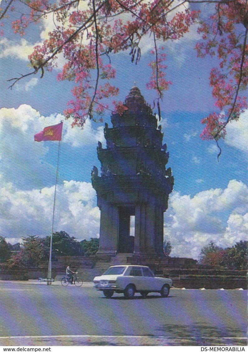 Cambodia Pnom Penh - The Victory Monument - Cambodge